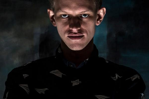 Portræt af ung mand af Niels Foltved